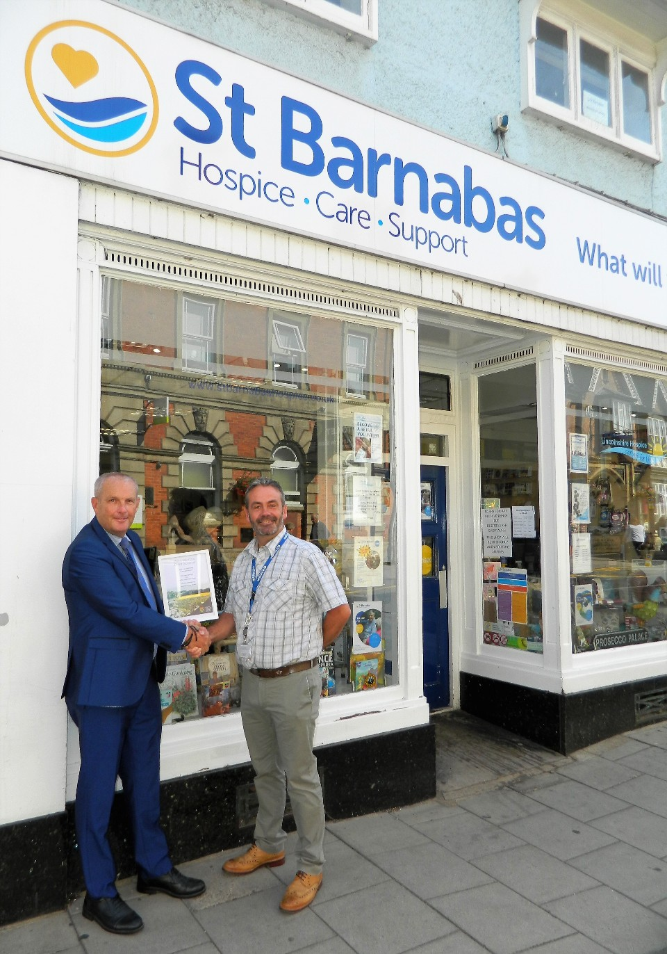 Cllr Duncan Ashwell with St Barnabas Lincolnshire Hospice Chief Executiv...